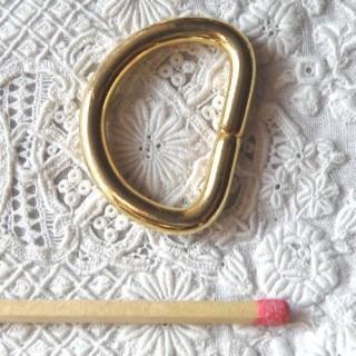 Boucle D, demi anneau  métallique luxe, 2,6 cm.