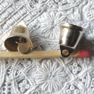 Cloche miniature clochette poupée 12 mm.