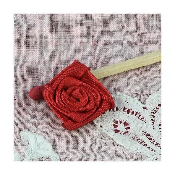 rose en ruban fleur coudre 15 mm roses en ruban tissu de 1 5 cm. Black Bedroom Furniture Sets. Home Design Ideas