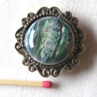 Cache bouton ancien, pierre & métal  diamètre 3 cm.