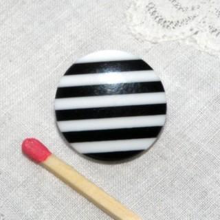 Bouton à pied rayé noir et blanc 2 cm,