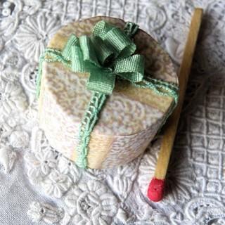 Boite à chapeau miniature, décration modiste, chapelier, 1,7 cm