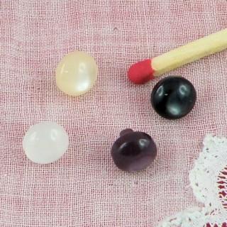 Boutons nacrés mercerie àpied 6 mm.