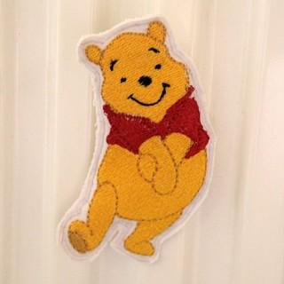 Personnage brodé: Winnie,magnétique, décoration 9 cm.