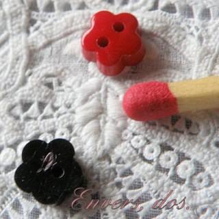 Bouton forme fleur 6 mm.