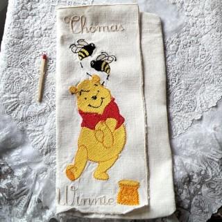 Pochette serviette lin brodée Winnie, 22cm x11cm.