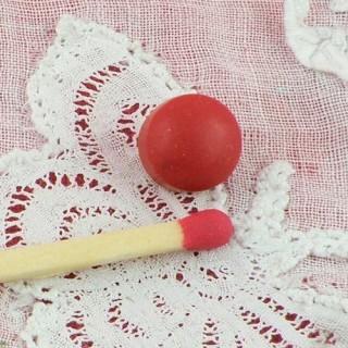 Bouton mercerie boule rouge nez pomme 7 mm.
