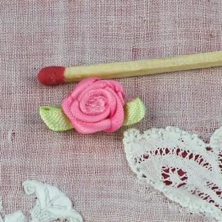 Rose en ruban avec pétales 9 mm