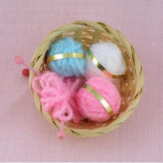 Panier à tricot miniature poupée