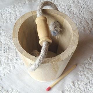 Seau miniature poupée bois brut  65 mm.