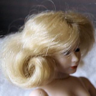 Perruque pour poupée miniature 1/12eme