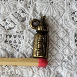 Breloque Biberon miniature poupée