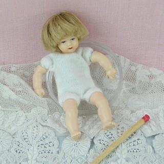 Poupée bébé articulée luxe miniature maison 1/12eme