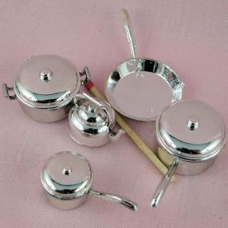 Lot casseroles cuisine miniatures maison poupée