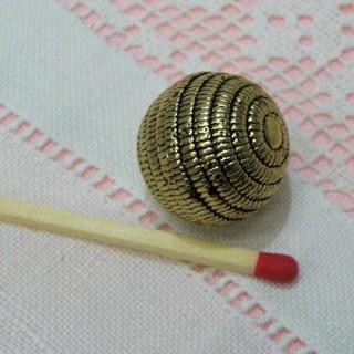 Bouton haute couture doré corde