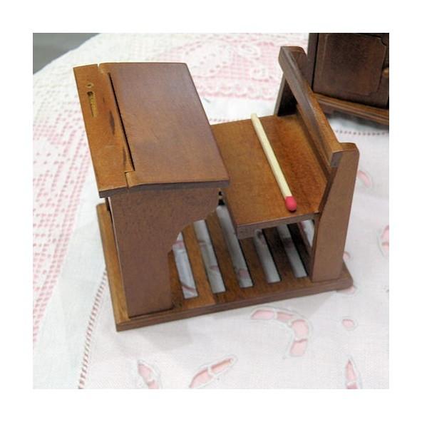 pupitre colier bois avec banc miniature maison de poup e bureau. Black Bedroom Furniture Sets. Home Design Ideas