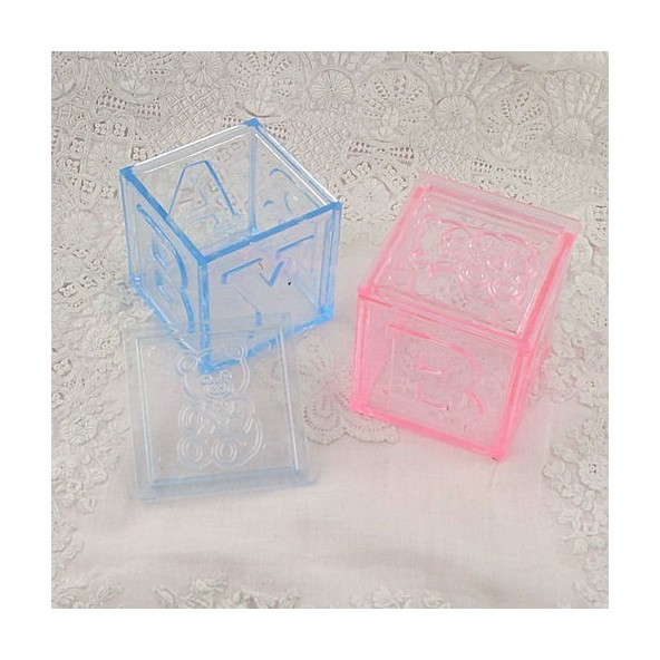 Cube plastique transparent boite drag e bapt me cube for Vitrine plastique transparent