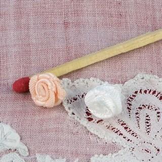 Rose en ruban fleur àcoudre 9 mm