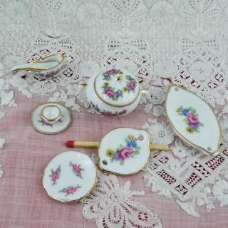 Service table porcelaine miniature maison poupée18 pièces.