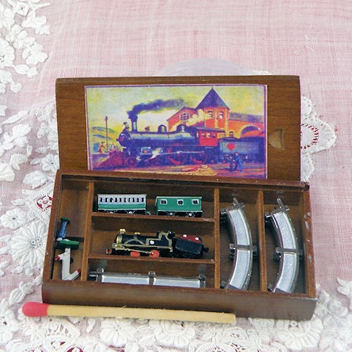 jouet miniature train lectrique heidi ott. Black Bedroom Furniture Sets. Home Design Ideas