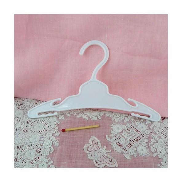 Cintre miniature poup e corolle - Cintre vetement bebe ...