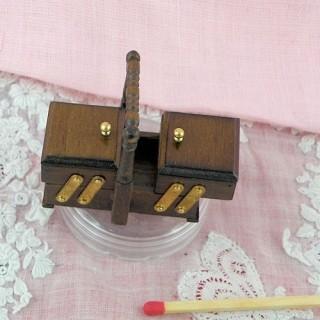 Boite àcouture luxe bois miniature maison poupée
