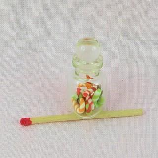 Bocal de friandises en verre miniature avec couvercle 2 cm.