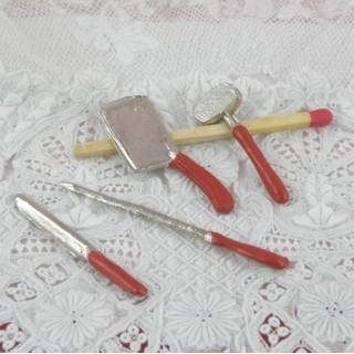 Ustensiles cuisine boucher miniature maison poupée.