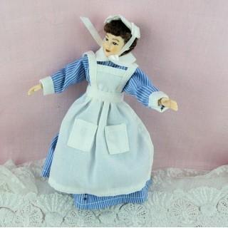 Poupée gouvernante miniature nurse 1/12eme Heidi Ott