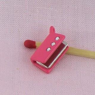 Breloque livre miniature poupée