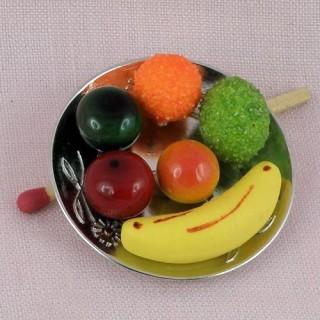 Plateau Fruits miniature maison poupée,mélange, pomme, pêche, banane 3,7 cm.