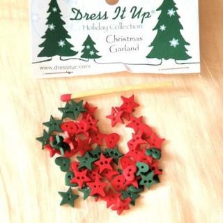 Boutons miniatures vert et rouge Dress it up,.