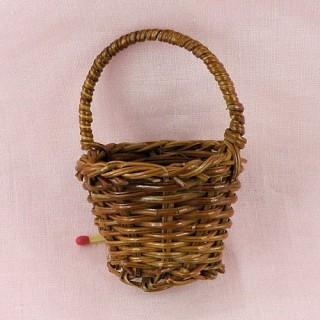 Panier miniature rond en osier maison poupée