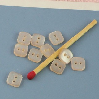 Boutons carrés nacrés 7 mm.