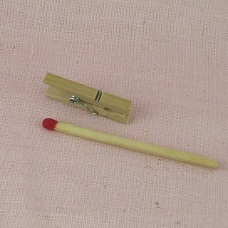 Pince àlinge mini bois maison poupée.