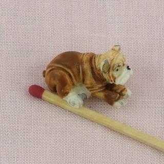 Chien Bulldog miniature maison poupée, 3 cm.