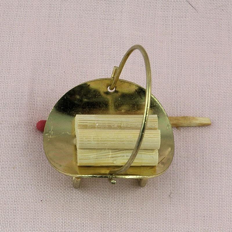panier porte buches pour chemin e miniature maison poup e. Black Bedroom Furniture Sets. Home Design Ideas