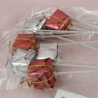 Paquets cadeau sur tige miniature décoration