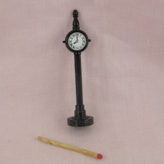 Horloge miniature quai de gare maquette