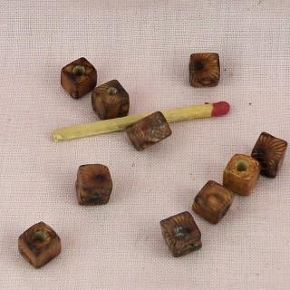 Perles carrées bois peintes 7 mm