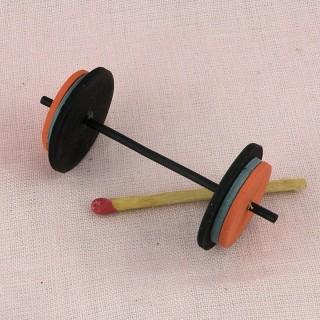 Barre d'altères sport miniature poupée