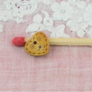 Bouton coeur bois gravé 1 cm