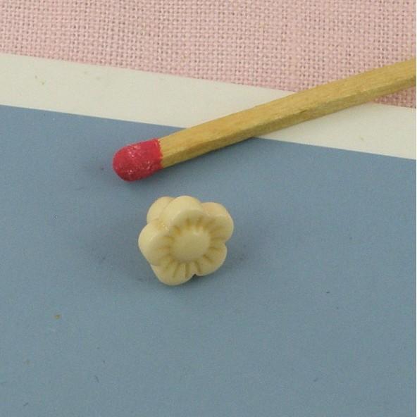 Bouton mercerie fleur à pied 1 cm,