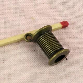 Breloque bobine fil couture 16 mm