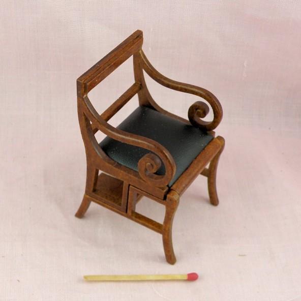 Chaise escalier ancienne miniature maison poupée