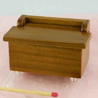 Coffre miniature poupée en bois à abattant