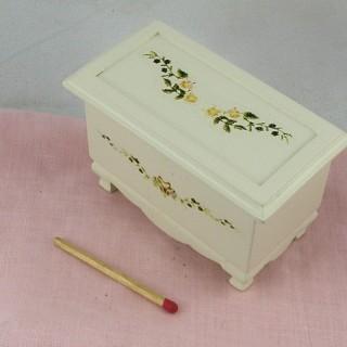 Coffre meuble miniature poupée bois peint décor