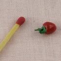 Tomate miniature maison poupée 1 cm.