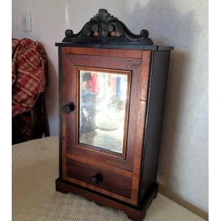 Armoire ancienne miniature meuble maison jouet enfant