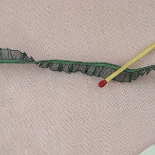 Ruban organdi volant plissé élastique 13 mm.